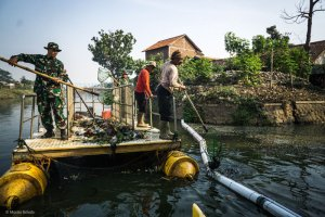 100 trash barriers to be installed on Bali rivers to prevent trash going into the sea