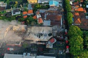 Seminyak's Bintang Supermarket burns down