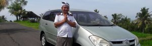 Koster mandates online taxi drivers to wear traditional Balinese costume